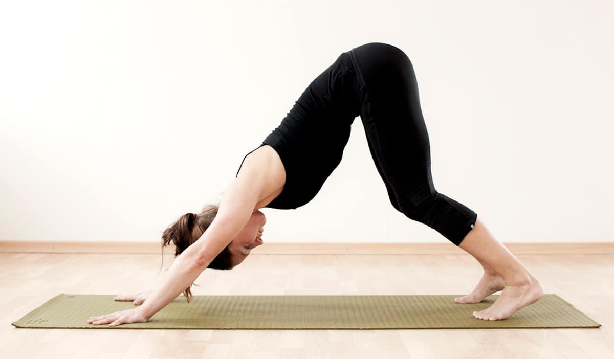 stretchövningar baksida lår